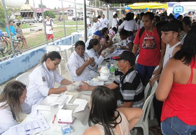 908101f5ac Tendas de saúde estavam oferecendo serviços de atendimento médico e  odontológico