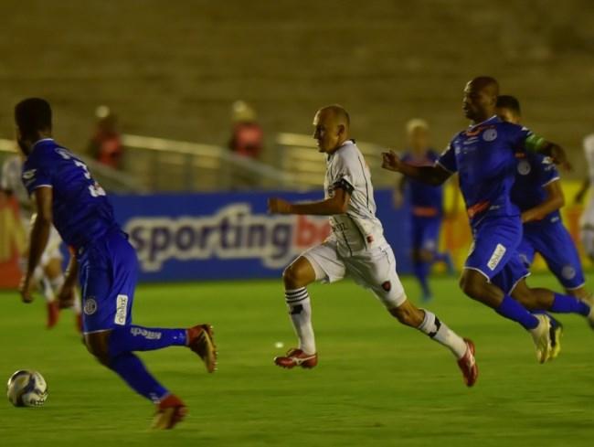 Botafogo-PB amarga a lanterna do grupo, com apenas cinco pontos, e sem chances de avançar na Copa. Foto: Reprodução