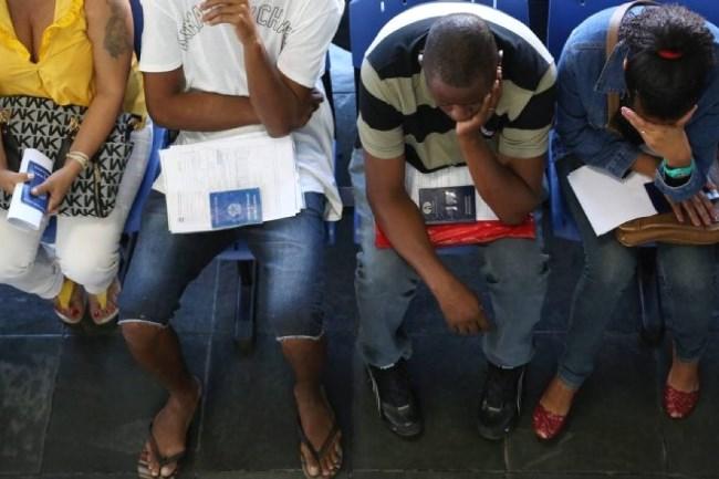 Em 1 ano, o número de desempregados no Brasil aumentou 16,9%, com um acréscimo de 2,1 milhões de pessoas